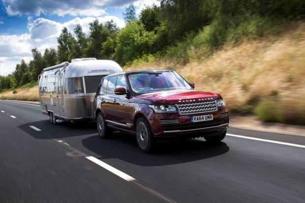 Viajar en autocaravana: dónde puedo aparcar y cómo evitar multas