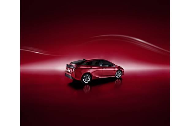 Toyota Prius 2017: novedades estéticas y de equipamiento, al mismo precio