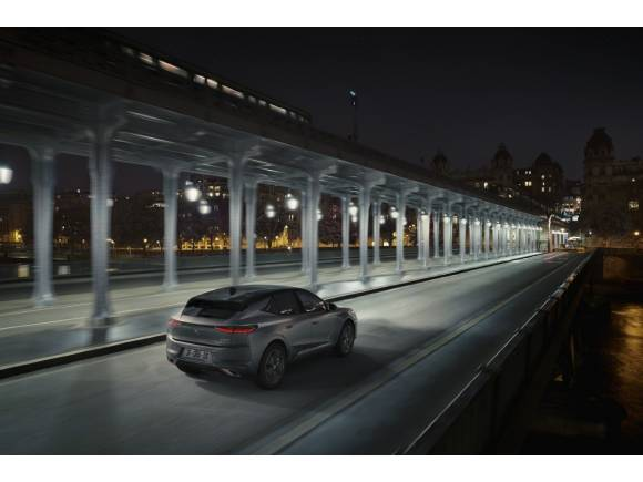 Nuevo DS 4 2021: un elegante SUV coupé con tecnología híbrida enchufable