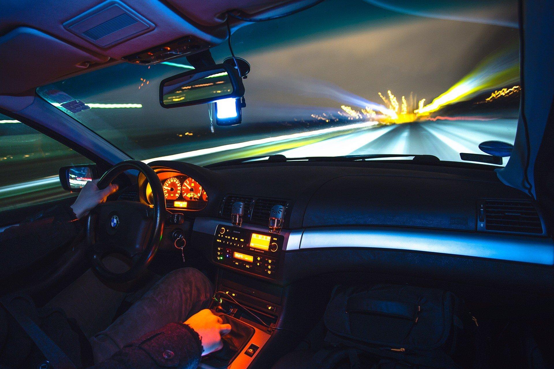conducir toque queda