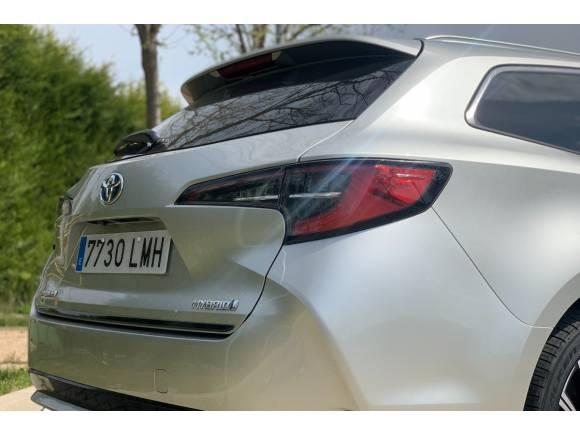 Prueba del Toyota Corolla Touring Sport 125H hybrid: opinión, maletero, precio...