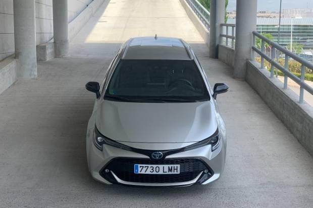 Prueba del Toyota Corolla Touring Sport 180H hybrid : opinión, maletero, precio...