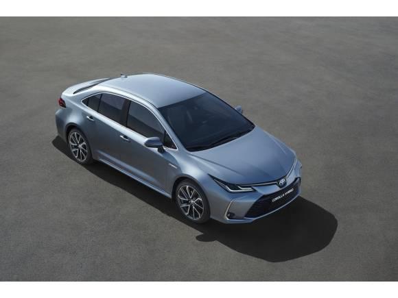 Vuelve a España el Toyota Corolla Sedan y será híbrido