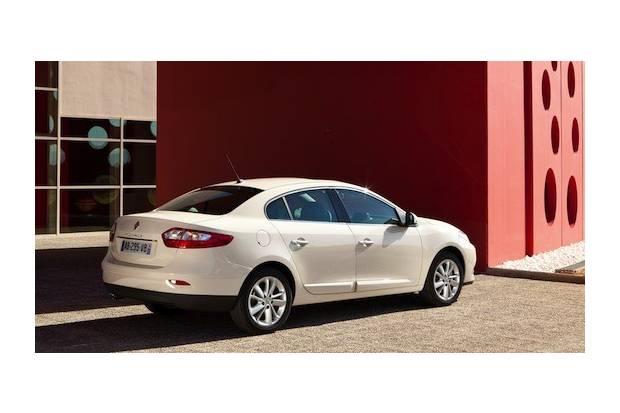 El Renault Fluence mejora su cara para 2013