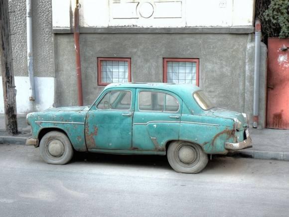 Los coches en España tienen una edad media de 13 años