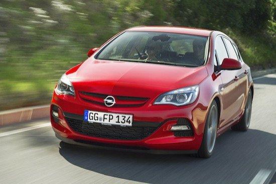 El Astra 2.0 BiTurbo CDTI tiene un exterior diferenciador más deportivo.