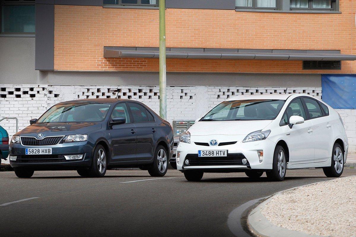 Toyota Prius y Skoda Rapid