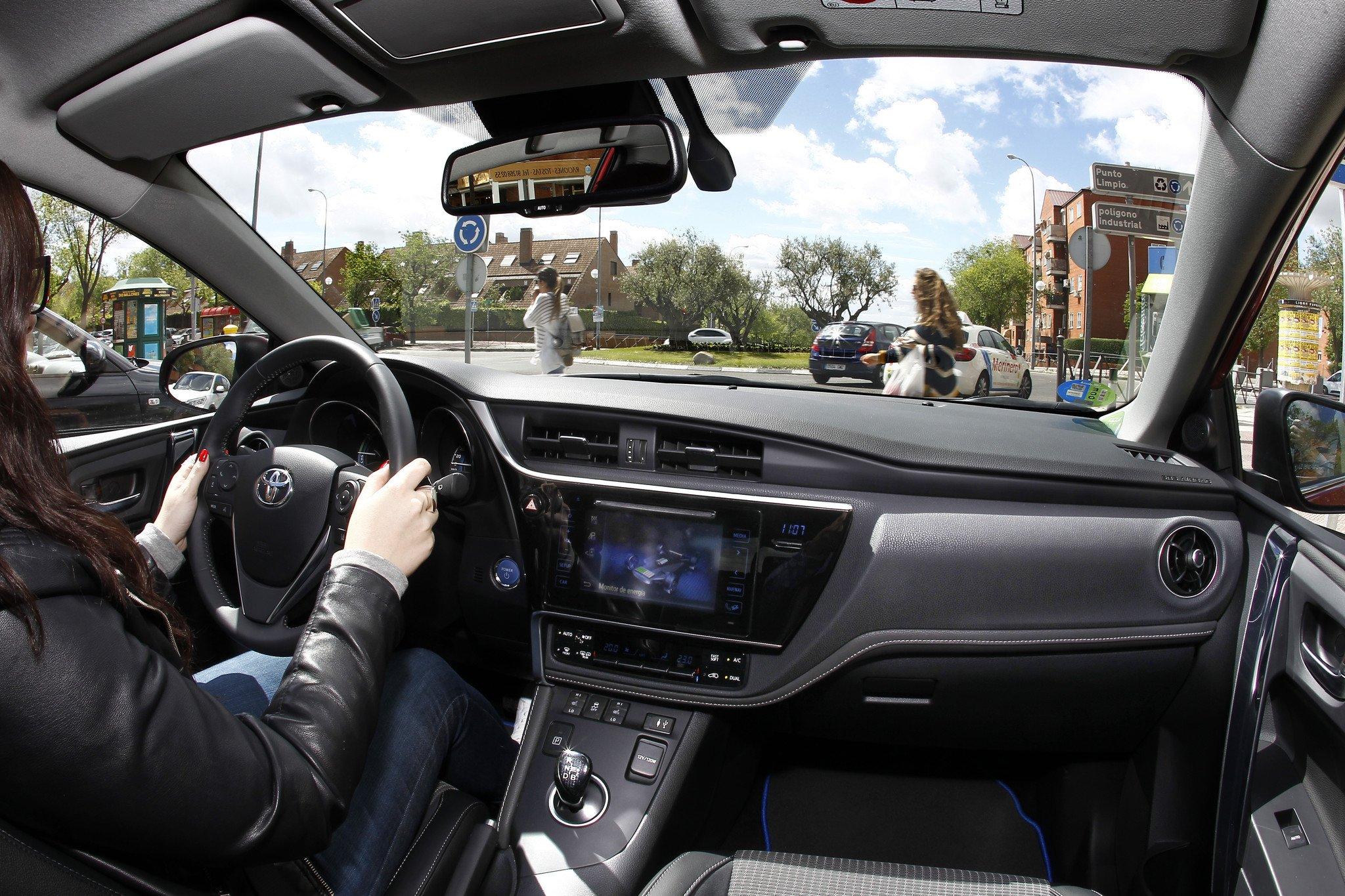 Prueba Toyota Auris Hybrid 2016
