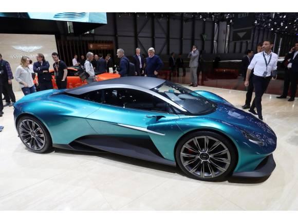 Nuevo Aston Martin Vanquish Vision, ahora con motor central
