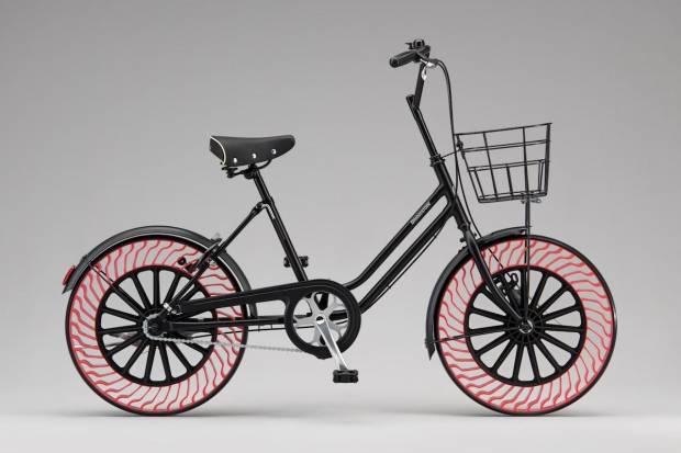 El neumático sin aire de Bridgestone llegará primero a la bicicleta