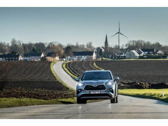 Prueba del nuevo Toyota Highlander Hybrid: precio, opinión, comportamiento,...