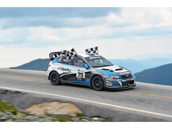 Video: Mark Higgins bate al récord de subida al Mount Washington con un Subaru