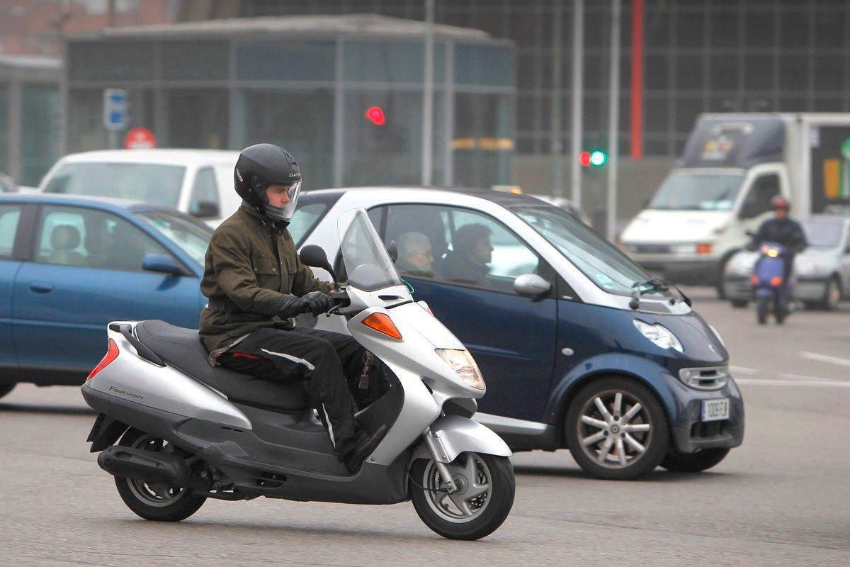 convivencia moto coche