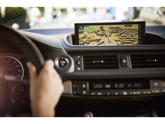 Prueba Lexus CT 200h 2018: cambio de imagen y más seguridad