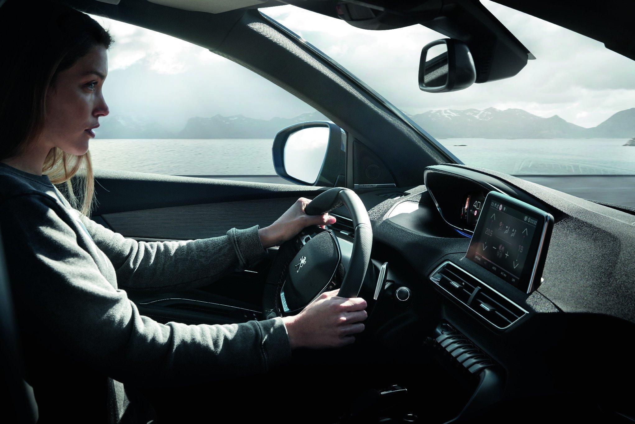 peugeot 3008 personaliza el olor de tu coche con el i cockpit amplify. Black Bedroom Furniture Sets. Home Design Ideas