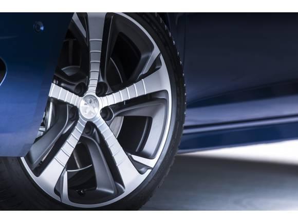 Nuevo Peugeot 308 GT de 225 CV y cambio de 8 velocidades