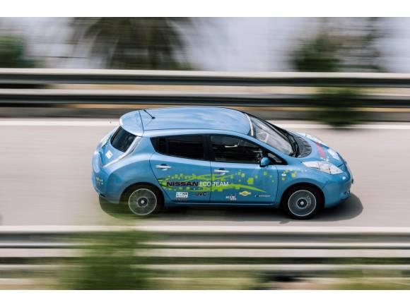 """Empleados de Nissan construyen """"Cocoon"""", un prototipo de Leaf de 48 kWh"""
