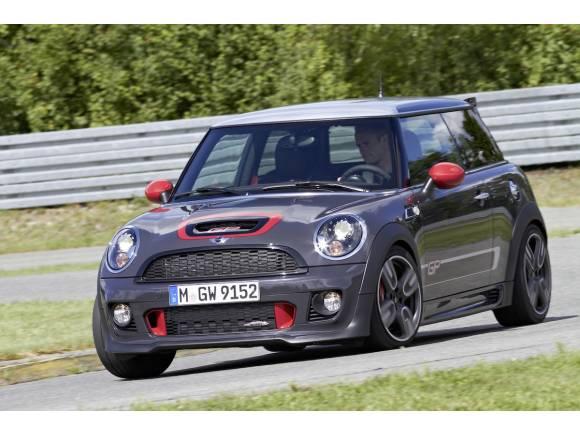 Prueba con Kumho los nuevos neumáticos deportivos del Mini JCW GP