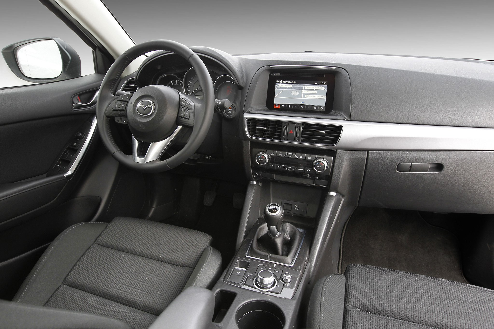 prueba mazda cx 5 2 0 2wd la versi n b sica del suv de mazda a examen. Black Bedroom Furniture Sets. Home Design Ideas