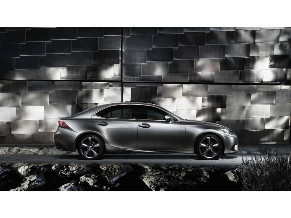 Nuevo Lexus IS 300h: disponible en junio por un precio de 35.900 €