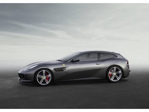 Nuevo Ferrari GTC4Lusso de 690 CV