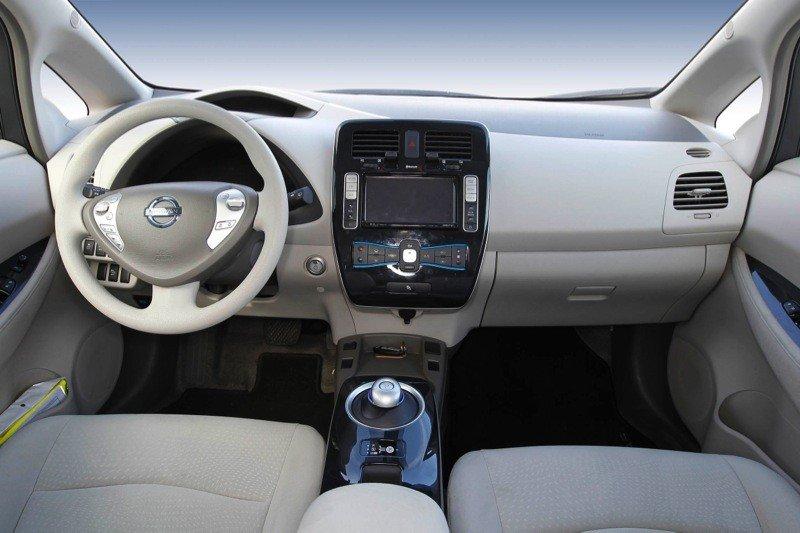 Nissan-Leaf_22