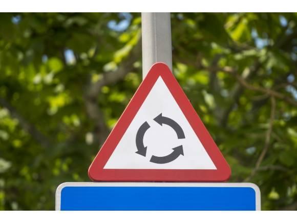 ¿Cómo hay que trazar una rotonda con seguridad?