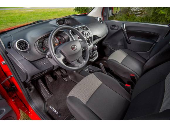 Nuevo Nissan NV250 Combi: la marca japonesa entra en un nuevo segmento