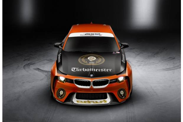 BMW 2002 Hommage: tributo a su primer Turbo en Peeble Beach