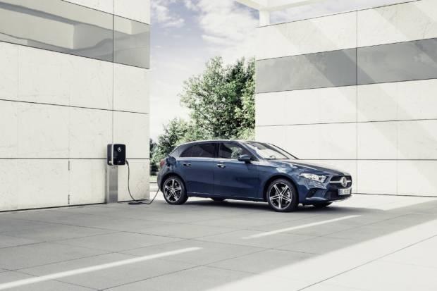 Mercedes anuncia ventajas y nuevos servicios para sus coches en stock
