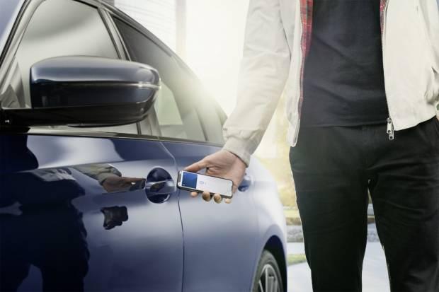 ¿Abrir tu coche con el móvil? Ahora, con Apple y BMW es posible