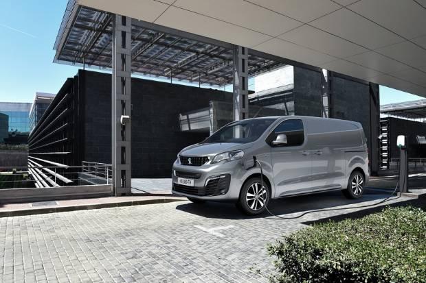 Ya disponible el Peugeot e-Expert, un comercial eléctrico desde 25.100 euros