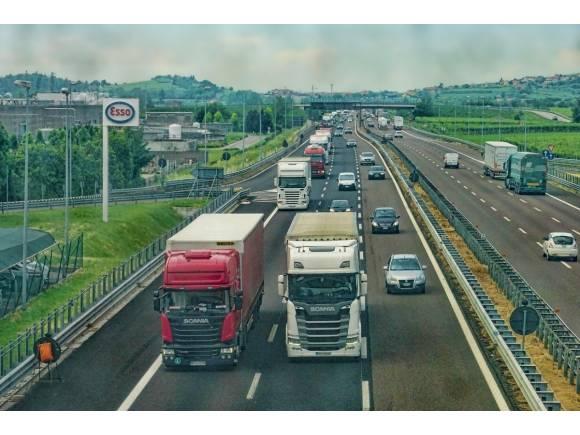 Uno de cada tres camiones en España superan los límites de emisiones de la UE
