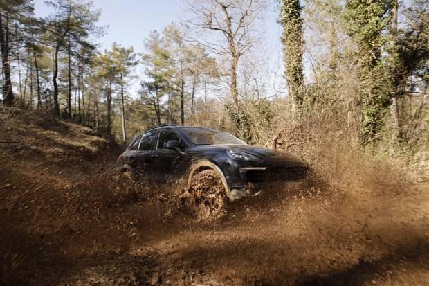 Prueba off-road: ¿Hasta dónde puede llegar un Porsche Cayenne fuera del asfalto?