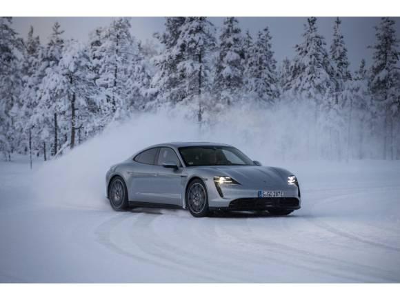 Así afecta el frío extremo a la batería de tu coche eléctrico