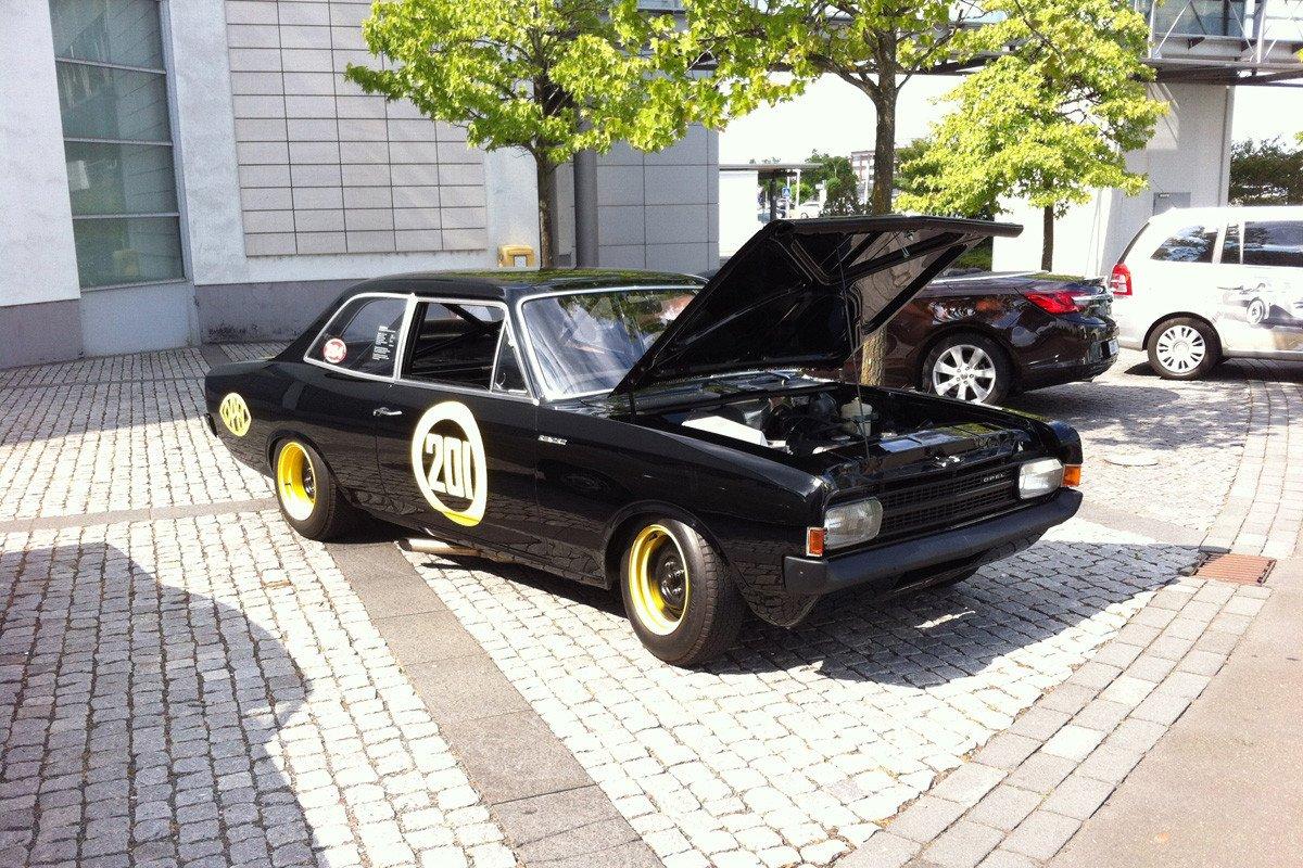 Opel Rekord Viuda Negra