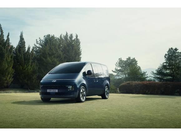 Hyundai Staria: todos los datos del monovolumen de 11 plazas y motor diésel