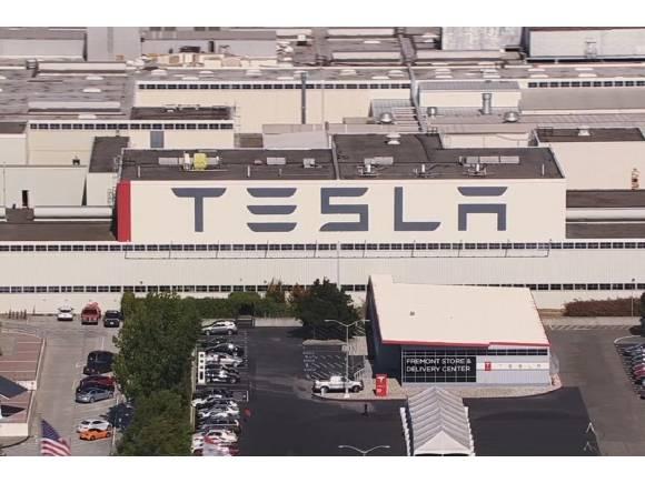 Tesla reduce su producción un 75% por el coronavirus