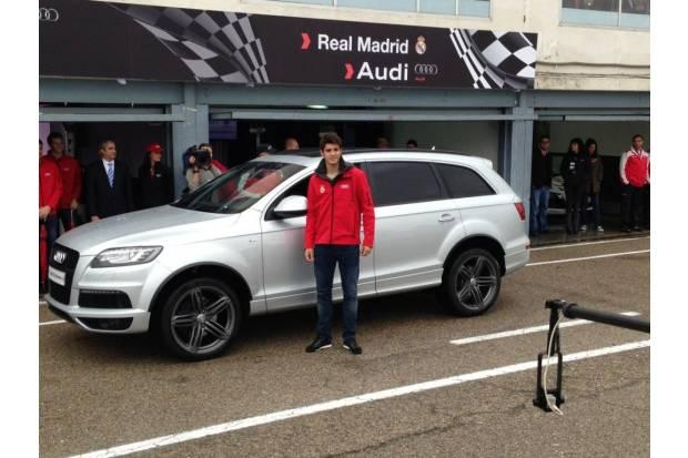Audi entrega sus nuevos coches al Real Madrid en el Circuito del Jarama