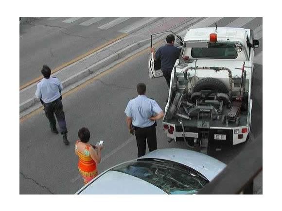 ¿Puede llevarse la grúa mi coche si no entorpece el tráfico?