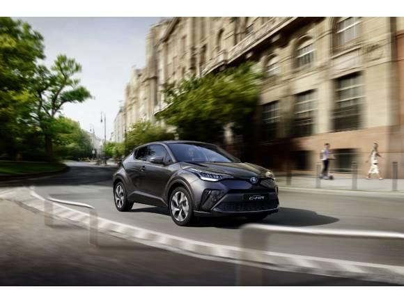 Toyota renueva el equipamiento y la gama de su C-HR híbrido para 2021