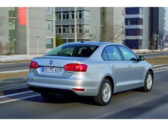 Al volante del Volkswagen VW Jetta Hybrid, un rival para el Toyota Prius