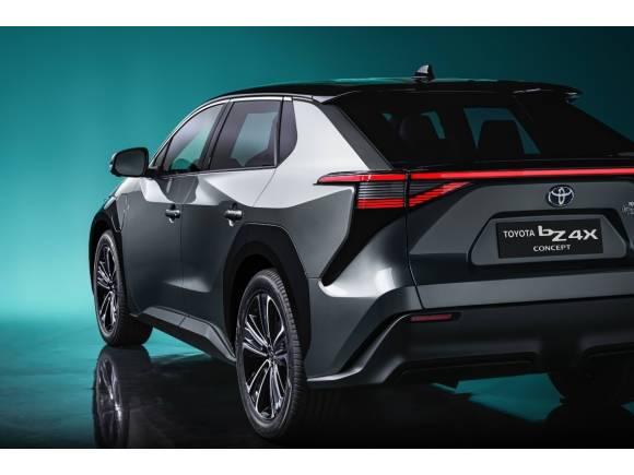 Toyota bZ4X, el SUV eléctrico con carga solar que inicia una nueva era