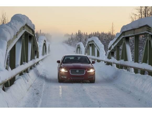 """Comienzan los cursos sobre nieve """"Ice Driving"""" de Jaguar"""