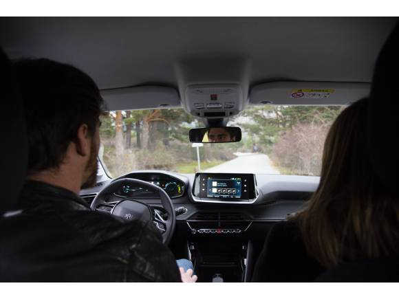 Comparativa carsharing: emov, ZITY, Share Now y WiBLE
