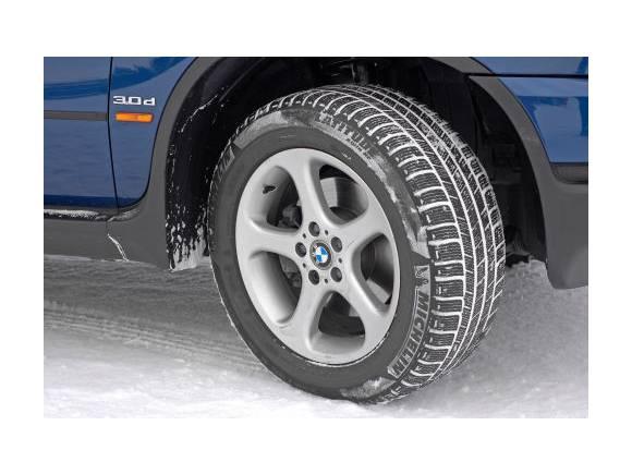 Conducción en nieve: ¿Cadenas o neumáticos de invierno?