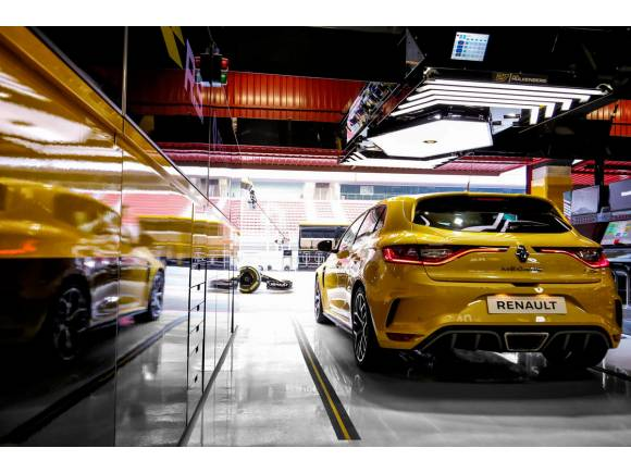 Nuevo Renault Mégane R.S. TROPHY 2018, con 300 CV de potencia