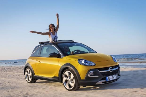 Consejos para mantener la pintura del coche impecable en verano
