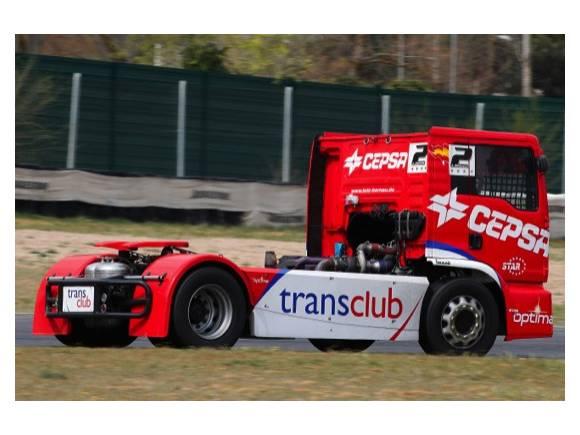 Así es el camión de carreras de Antonio Albacete y el Equipo CEPSA