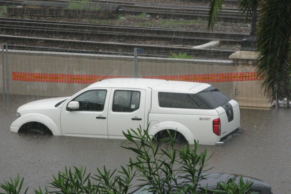 coche inundacion